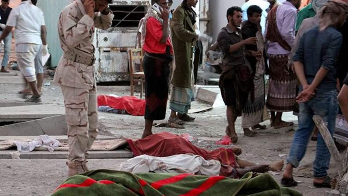 Смертник подорвался в Йемене: погибли десятки военных