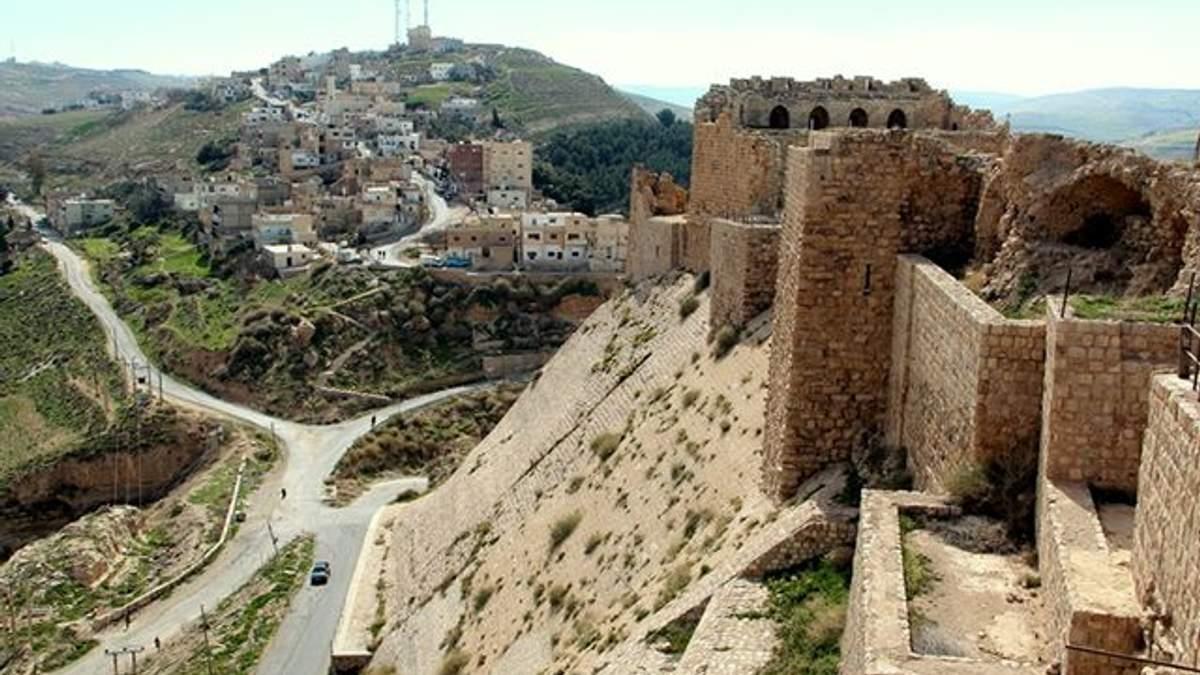 Бойовики взяли в заручники туристів у Йорданії: є жертви