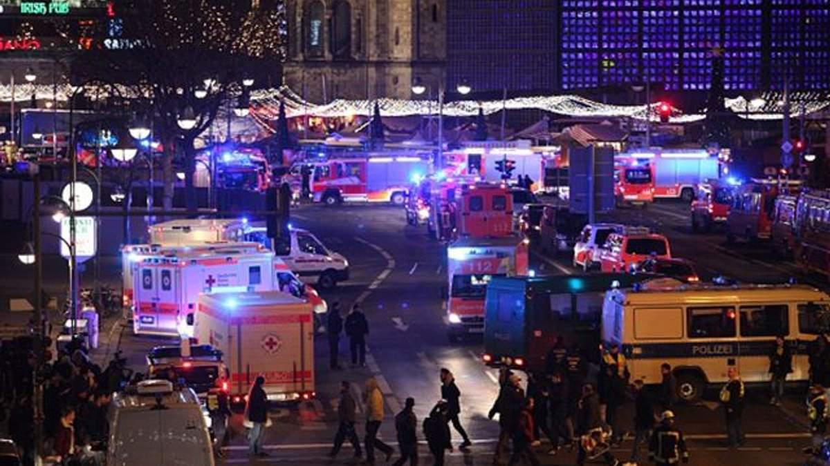 Место трагедии на ярмарке в Берлине