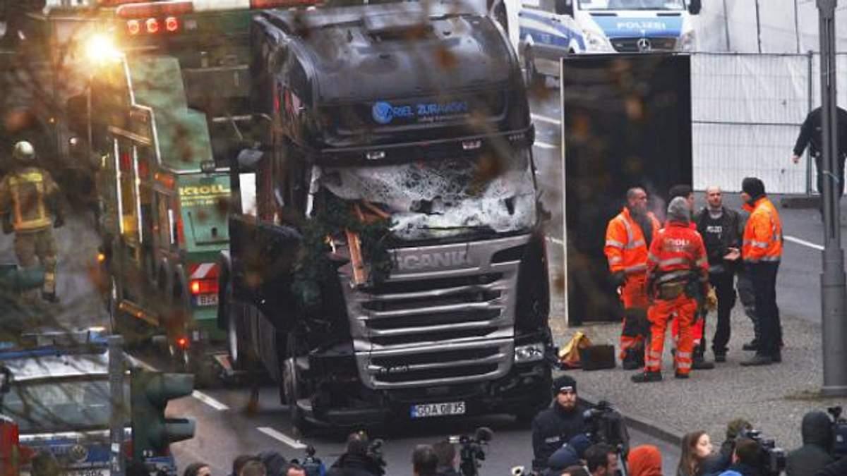 Опубліковано фото підозрюваного у кривавому теракті в Берліні