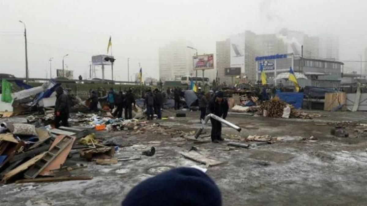 Серйозна бійка на  ринку Києва – у хід пішли цегла, вогнегасники та коктейлі Молотова