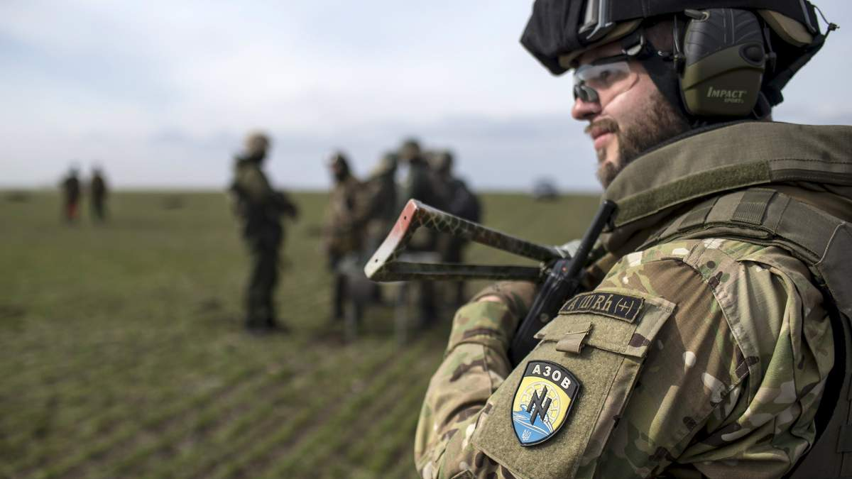 """Ми – початок нової армії: як """"Азов"""" запрошує до своїх лав"""