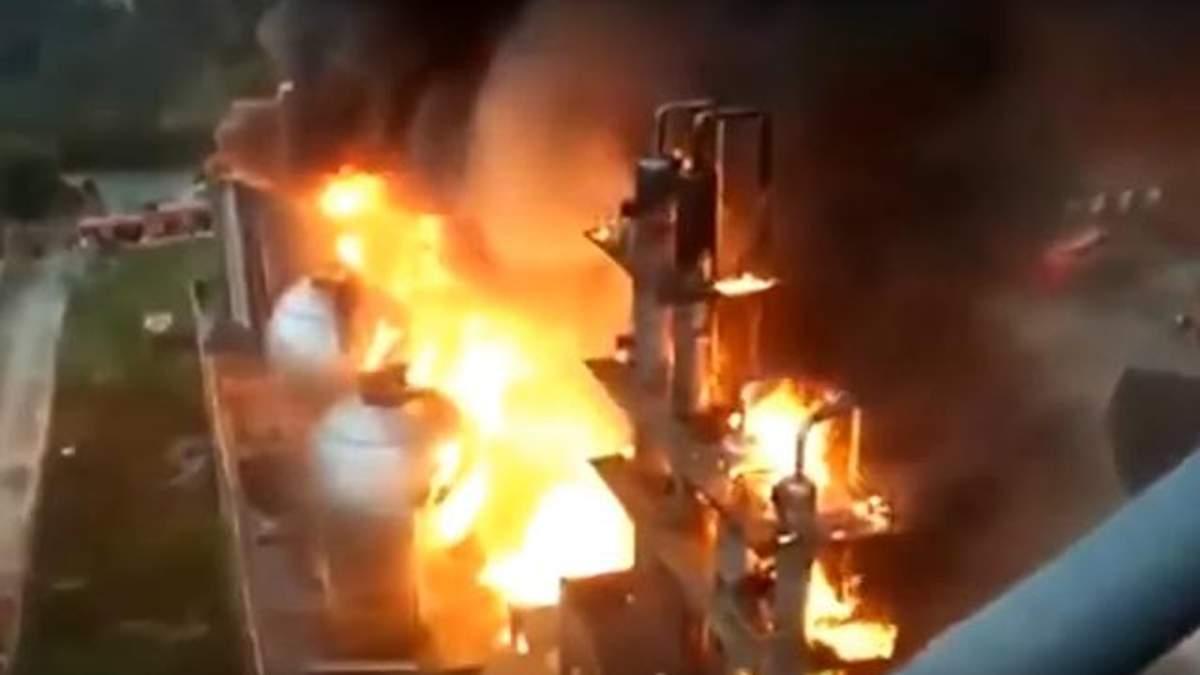 Появилось видео мощного взрыва и пожара на АЭС во Франции