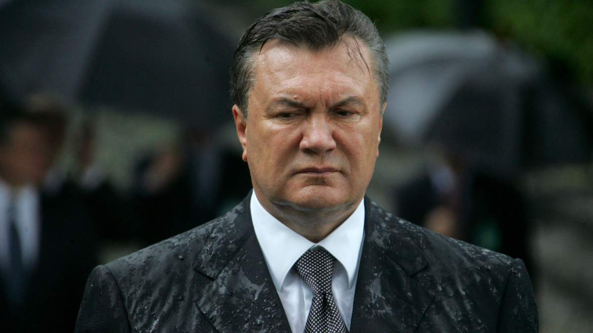 Виктор Янукович далее под санкциями