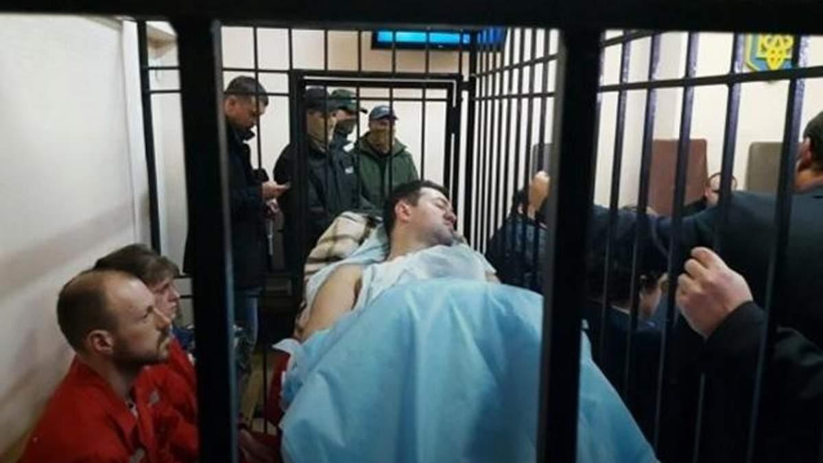 Активісти надалі блокують суд, де перебуває Насіров