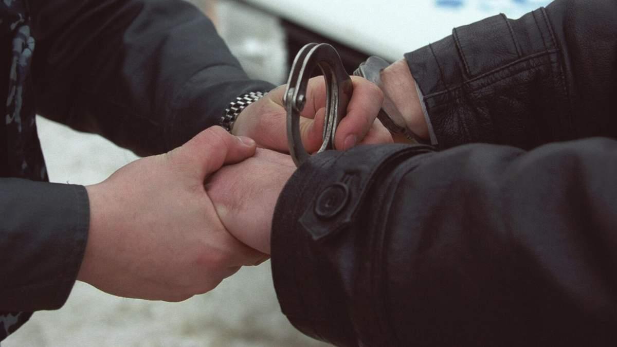 СБУ впіймала одразу двох поплічників терористів: опублікували відео