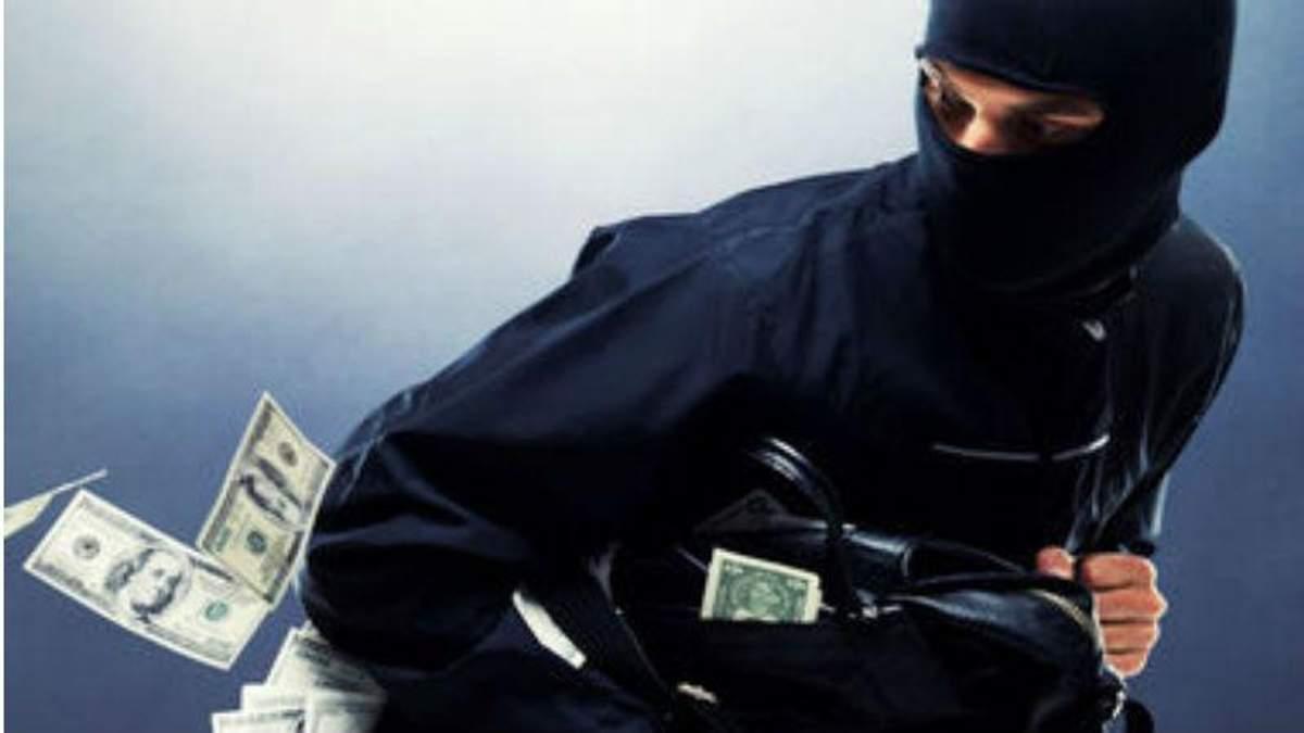 В столице неизвестные ограбили инкассаторов