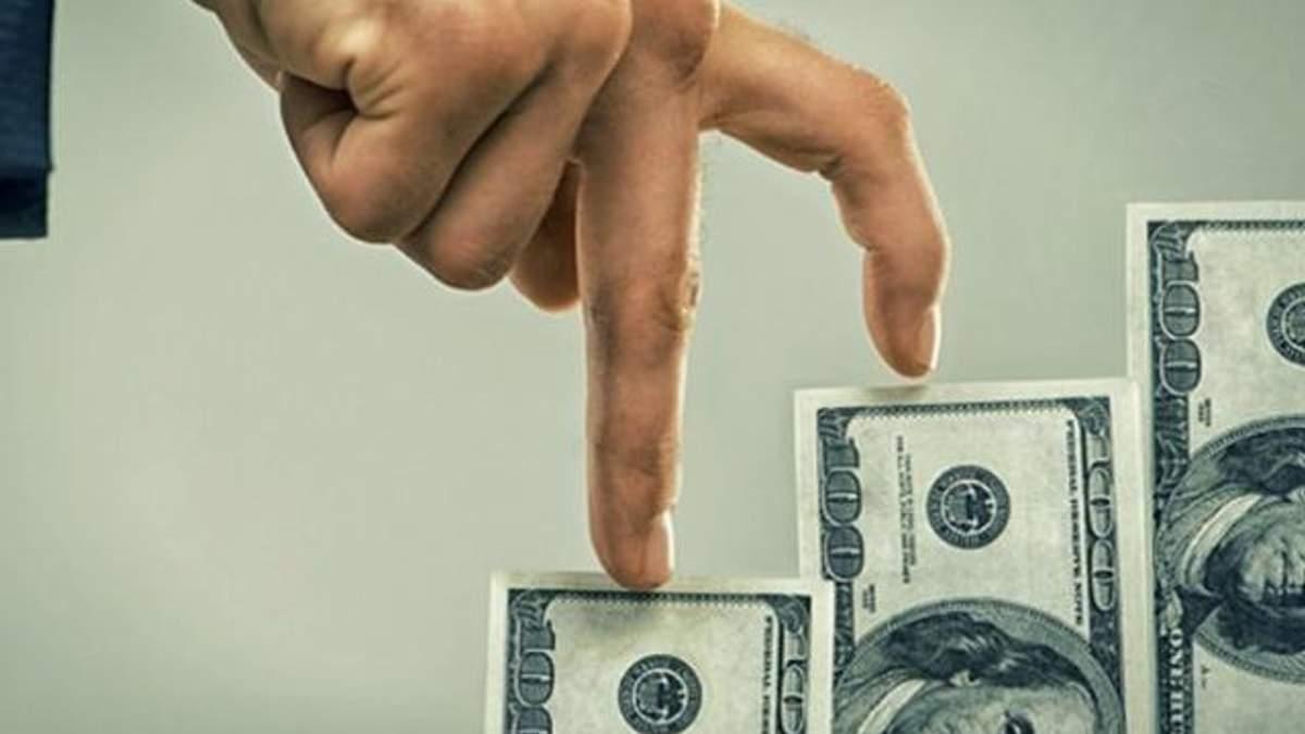 Долар різко додав у ціні