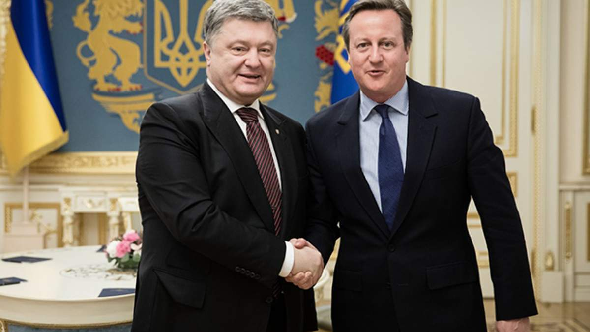 Порошенко обговорив з Кемероном збереження санкцій проти Росії