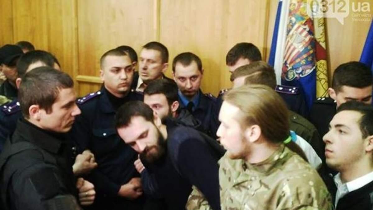 Военные подрались со священниками в Ужгороде