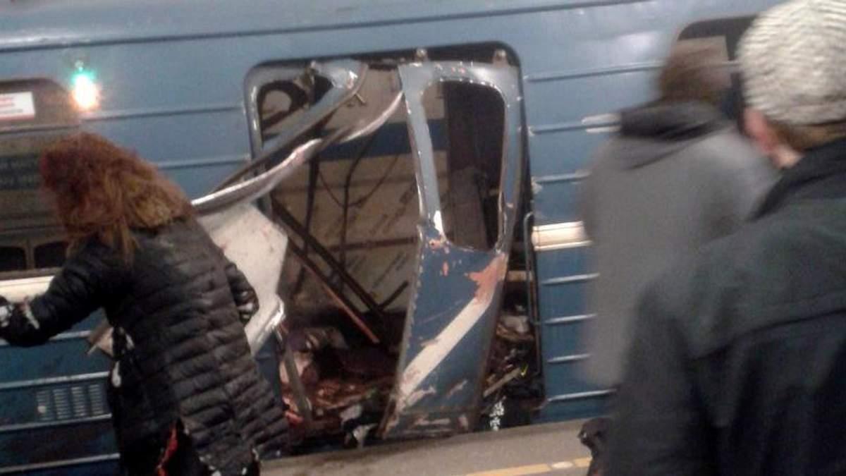 Потужний вибух у метро Санкт-Петербурга: у мережі з'явились моторошні фото та відео