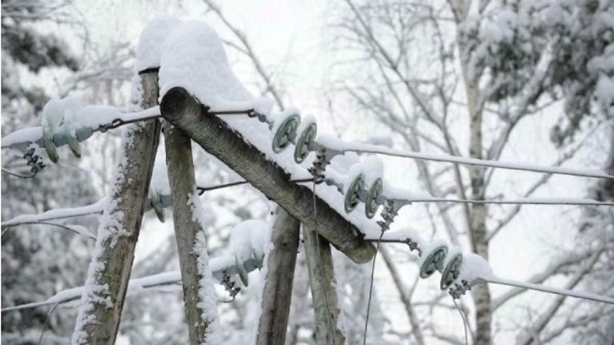 Из-за непогоды в Украине обесточены почти 200 населенных пункта