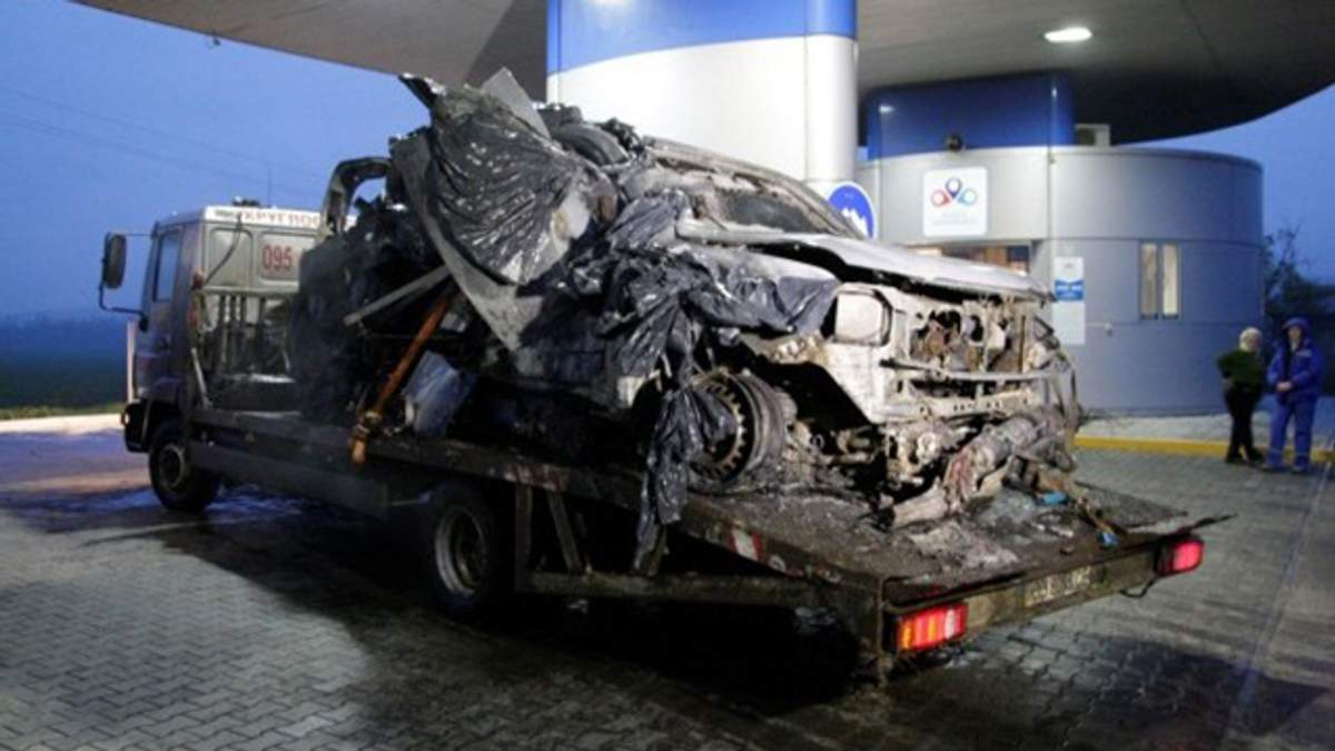 Остатки автомобиля ОБСЕ, который подорвался на Луганщине
