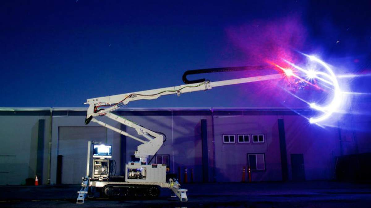 Робот-будівельник, який зводить великі конструкції за принципом 3D-друку