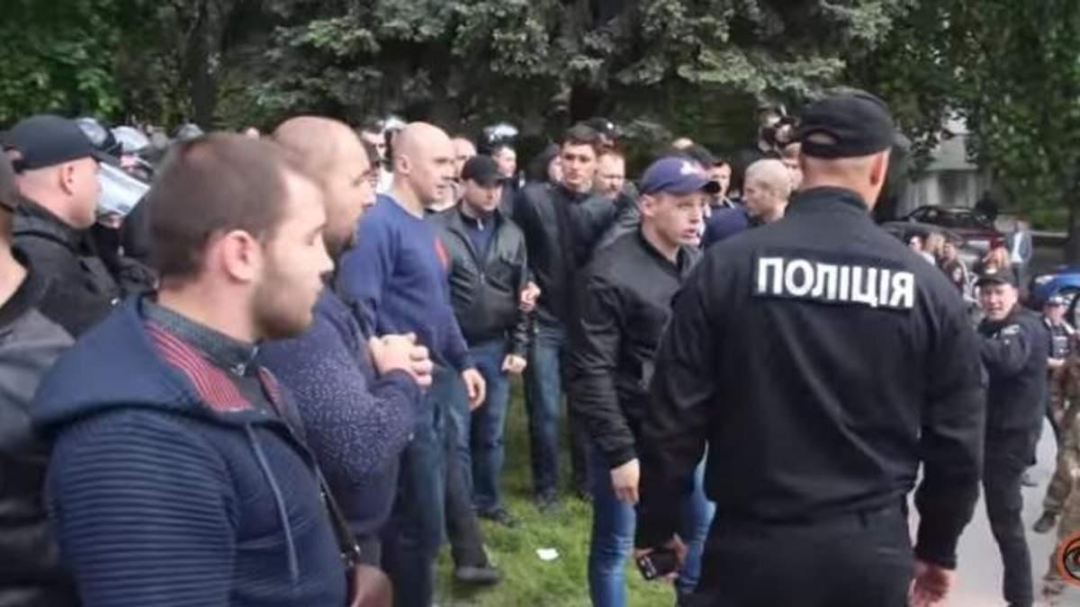 """Как продвигается расследование дела о нападении """"титушок"""" 9 мая в Днепре"""