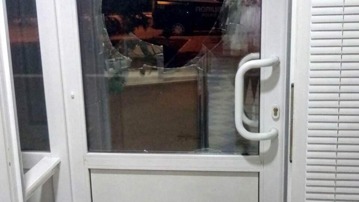 Неизвестные атаковали офис украинского телеканала на Донбассе