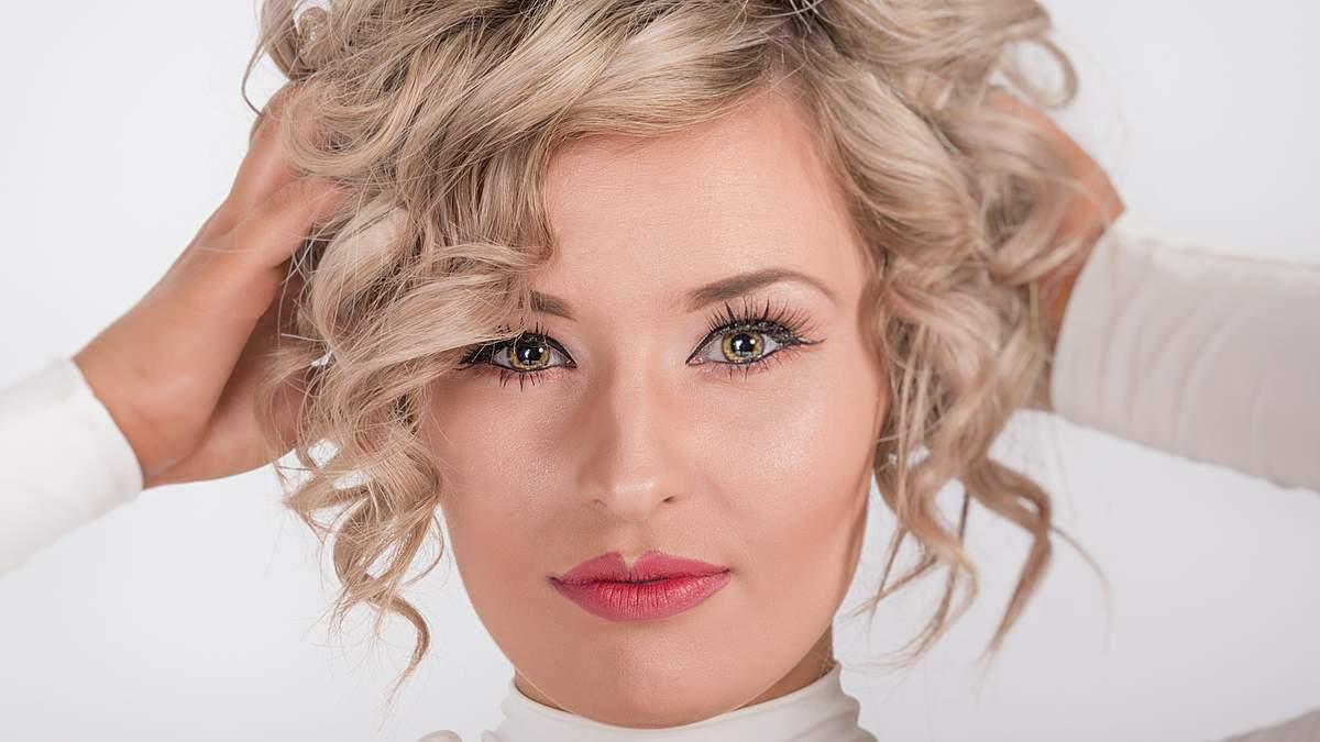 Чому випадає волосся: причини випадіння та як з цим боротися