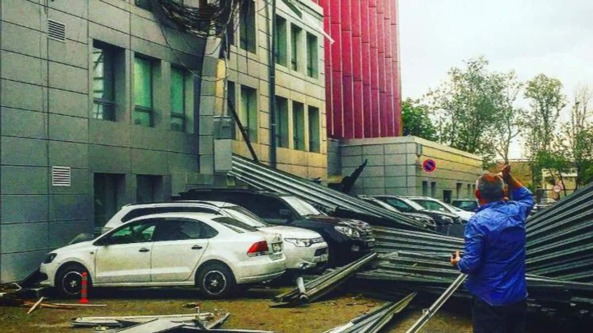 Последствия мощного урагана в Москве