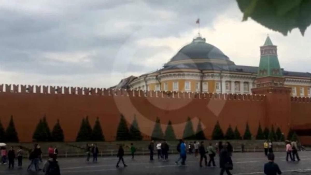 Ураган в Москве повредил Кремль: видео от 29.05.2017