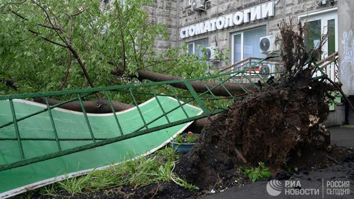 Страшний ураган у Москві вбив вже 16 людей