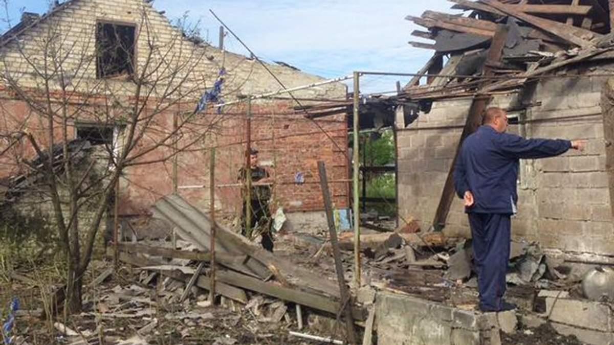 Боевики ударили огнем по домам мирных жителей Марьинки