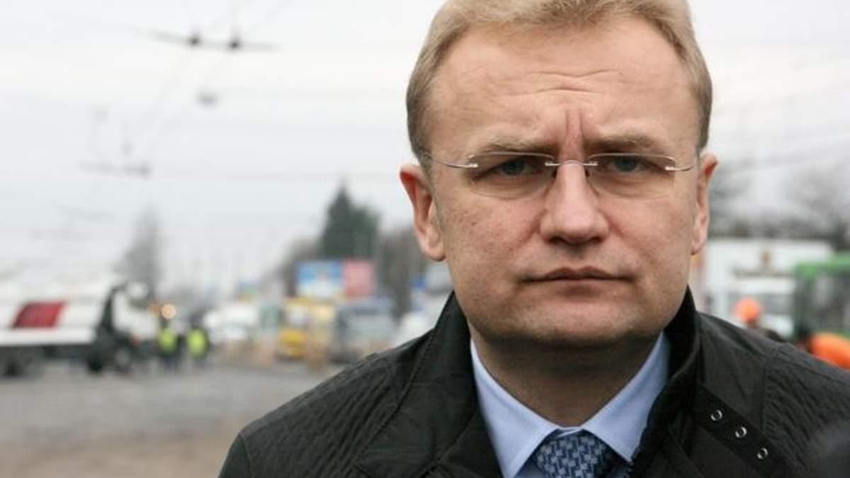 Андрій Садовий прилетів до Києва, щоб поспілкуватись з голодуючими нардепами