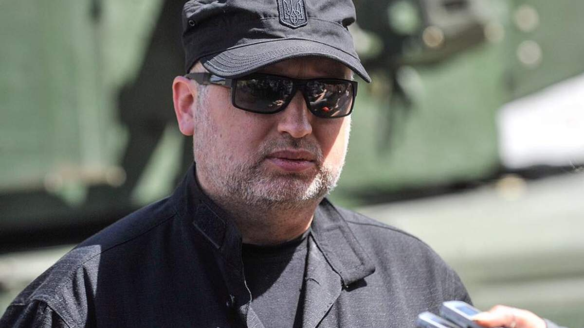 Въезд россиян в Украину по биометрическим паспортам: Турчинов рассказал детали