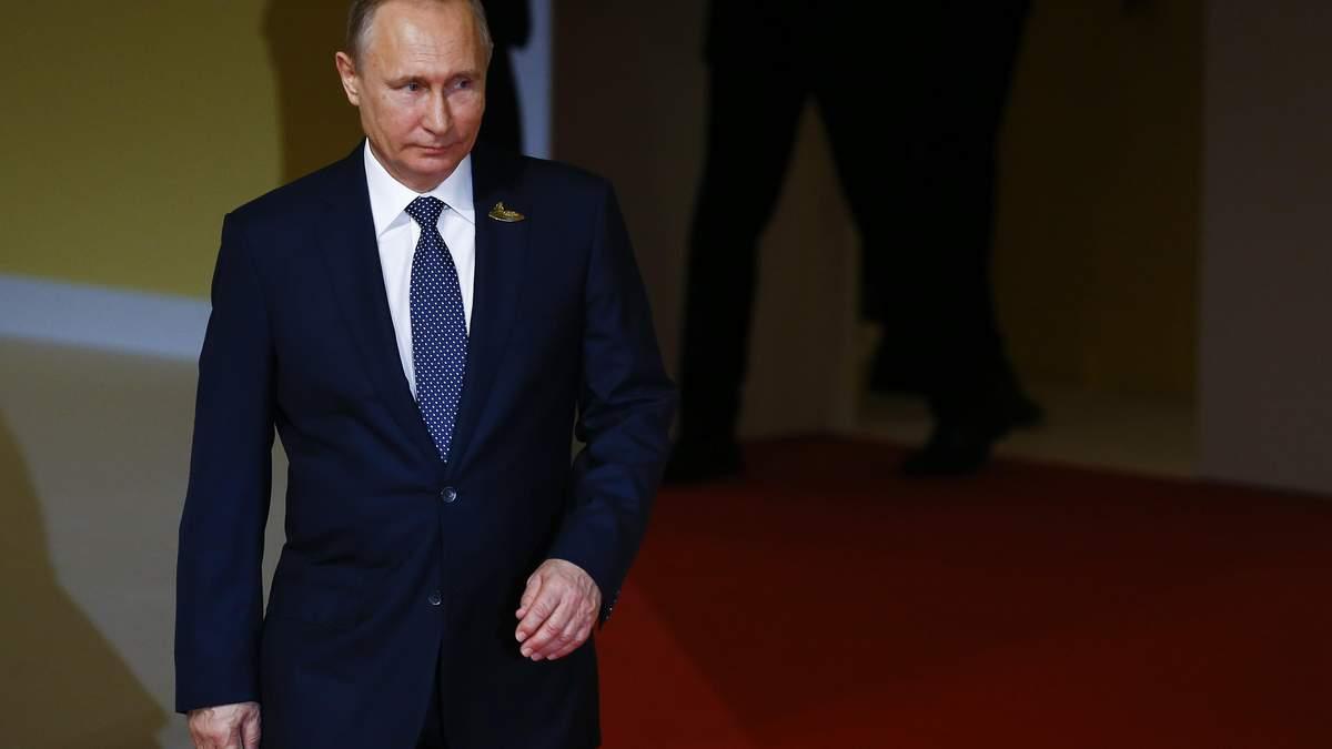 """Странный маршрут: самолет Путина сделал """"крюк"""" в 500 километров"""
