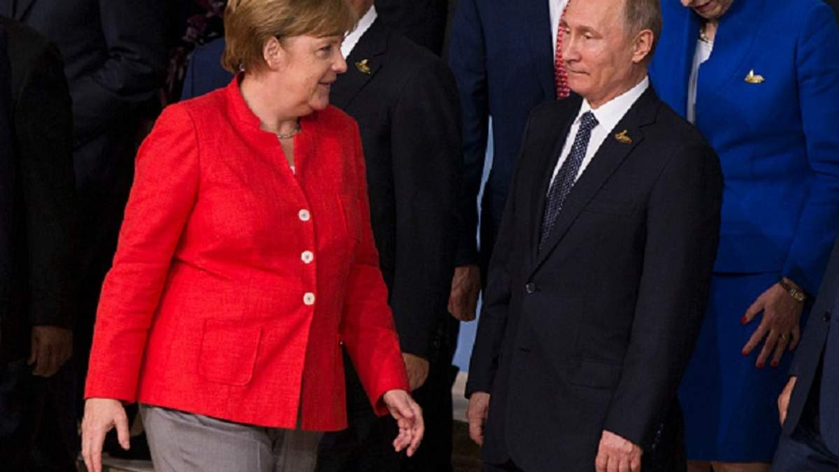 Меркель закохала соцмережі яскравою реакцією на Путіна
