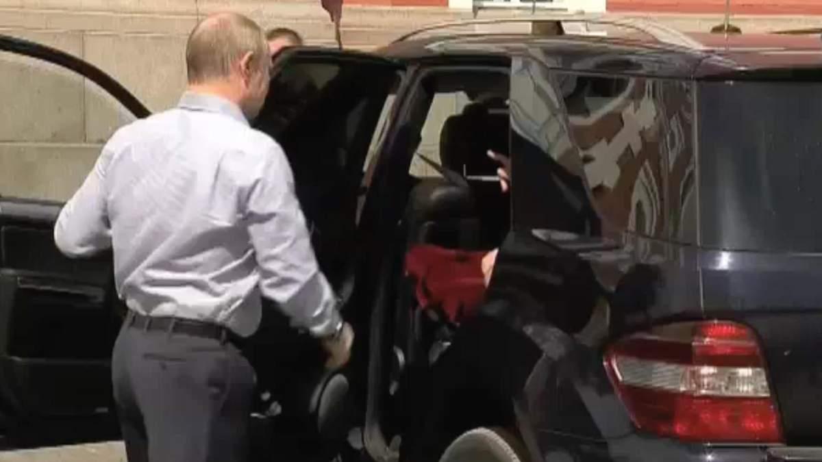 Путин и его таинственный пассажир появились в остроумной карикатуре