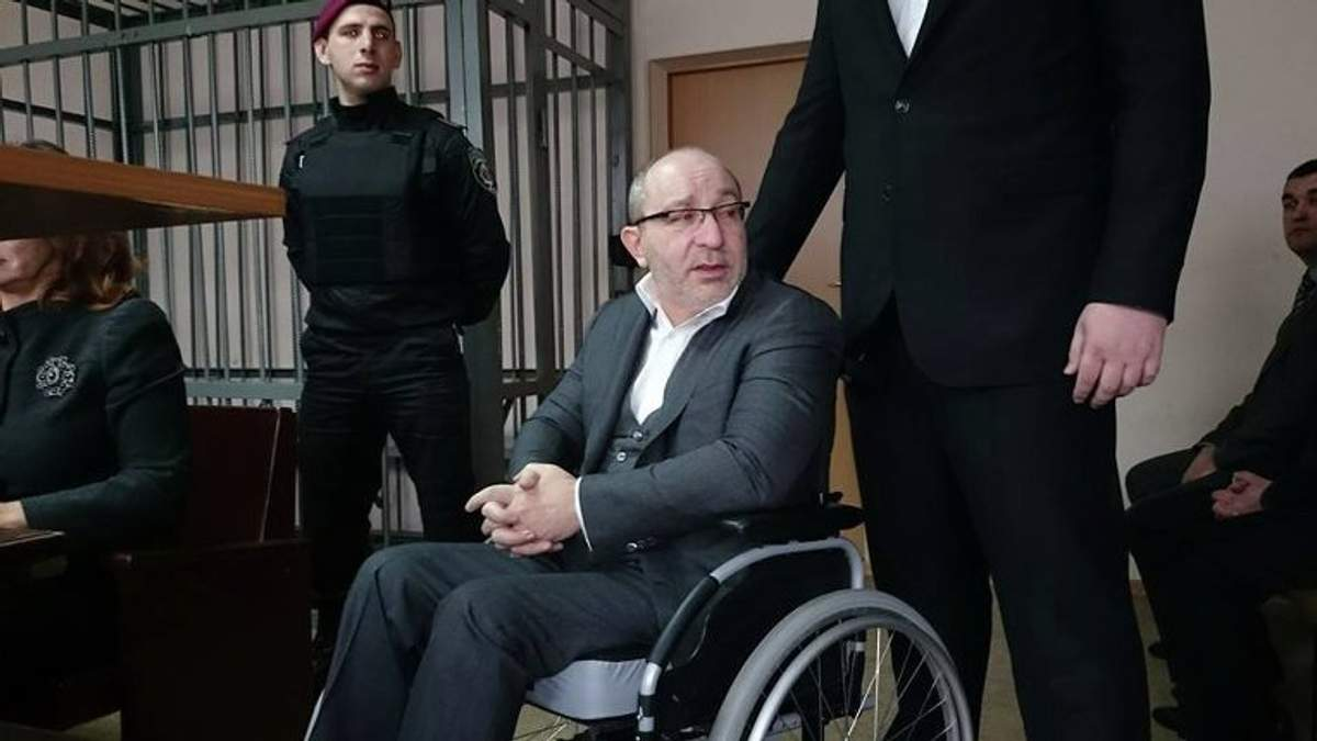 Геннадій Кернес не може ходити після замаху