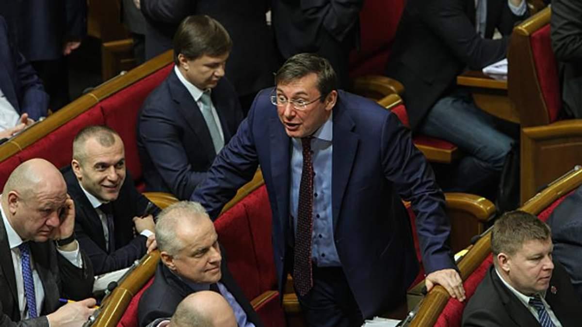 Луценко был нормальным, а потом начал махать шашкой и меня не полюбил, – Добкин