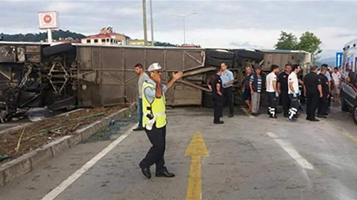 Перекинутий автобус в Туреччині