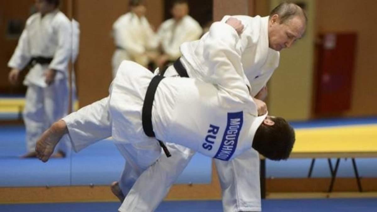 """Путіна викликали на """"дуель"""" із дзюдо"""
