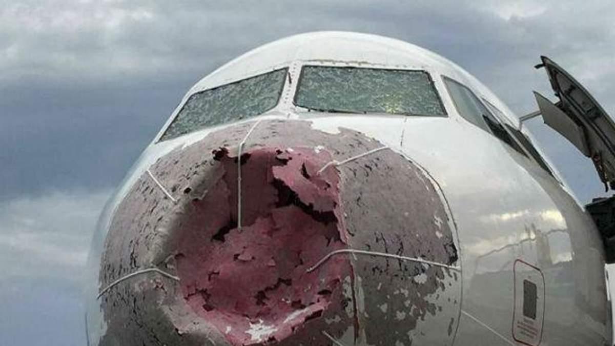 У Туреччині літак потрапив у шторм