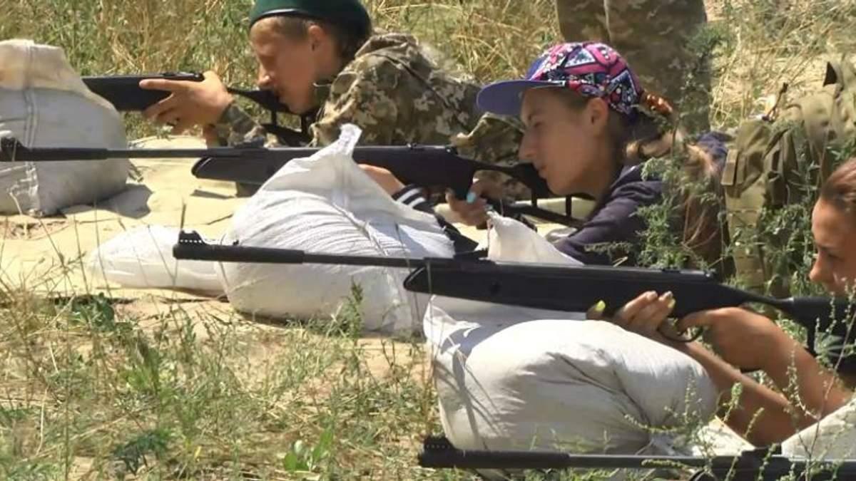 Украинские школьники будут проходить боевую выучку вместе с кадровыми военными