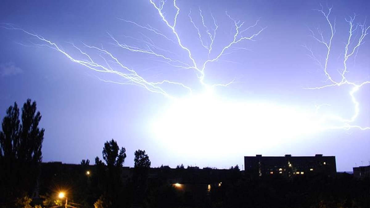 Смертельная непогода: молния убила женщину в Черкасской области