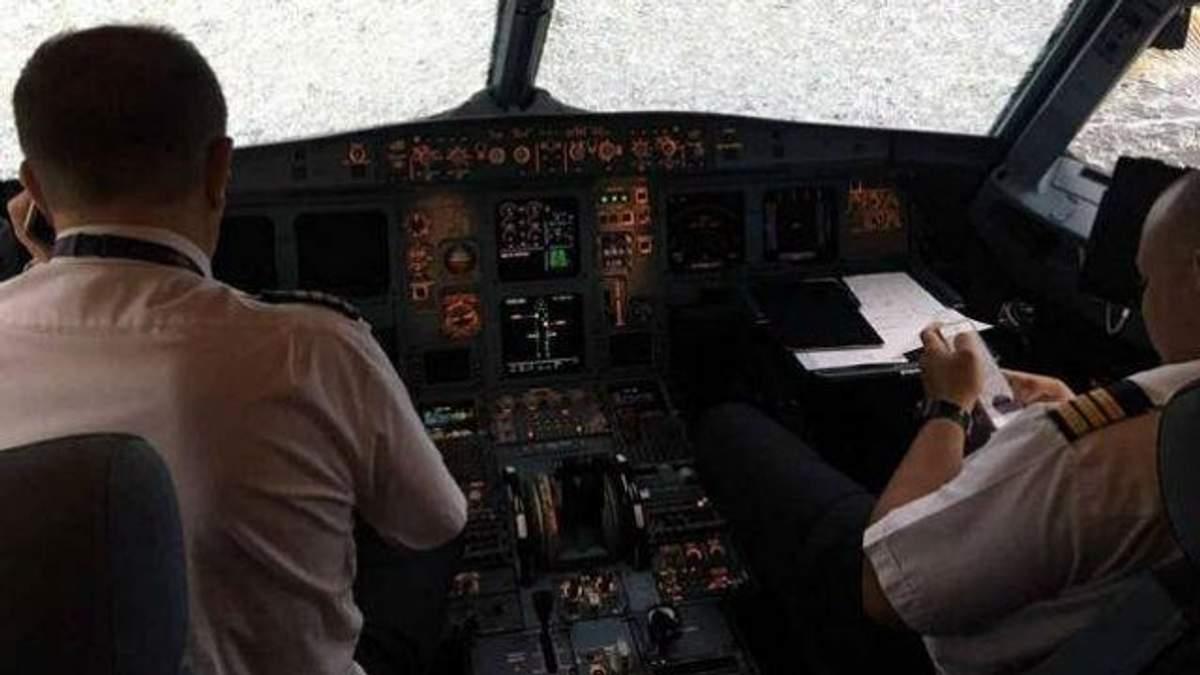 Подвиг украинского пилота на турецком самолете: появилось видео с середины судна