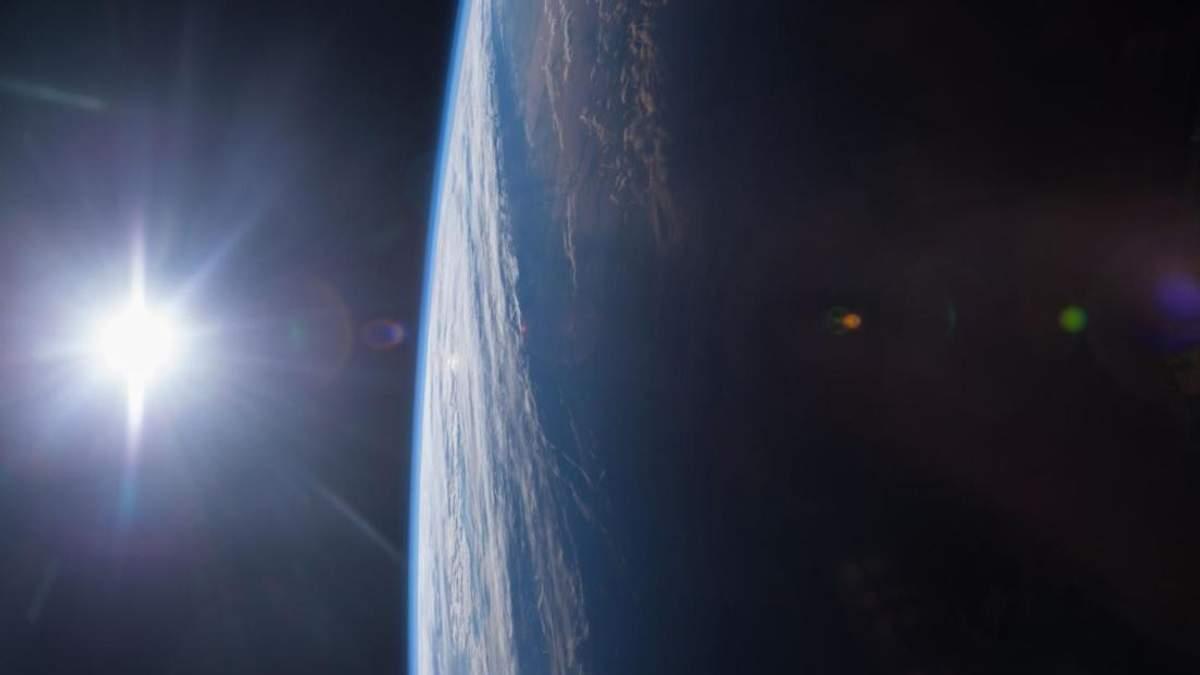 NASA проведе аерозйомку найдовшого затемнення Сонця за допомогою бомбардувальників