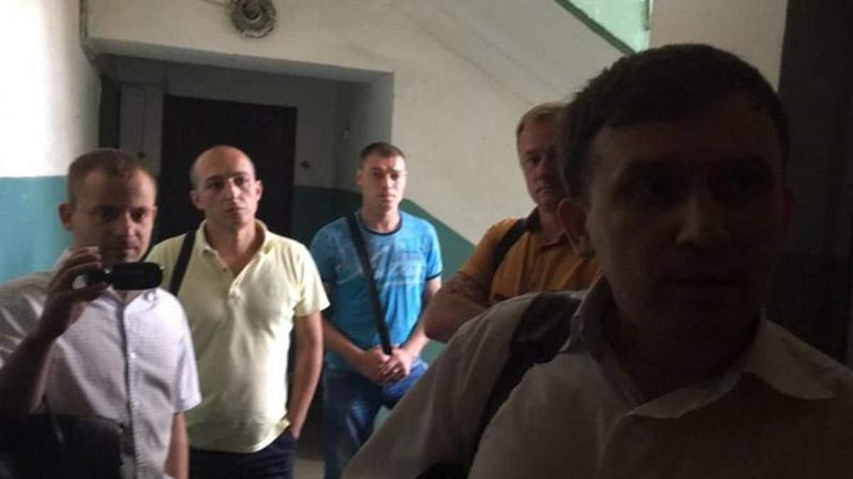 """СБУ проводит обыск в редакции """"Страна.ua"""" и в квартирах журналистов"""