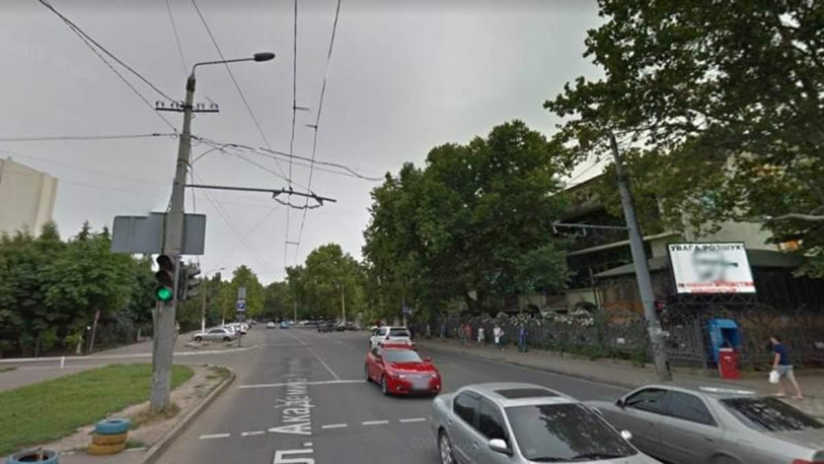 В Одесі під носом у поліції на великому екрані крутили порно: з'явились фото (18+)