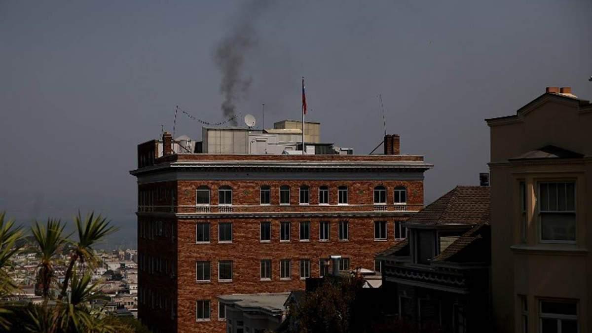 Що намагалися приховати російські дипломати, спалюючи документи в консульстві