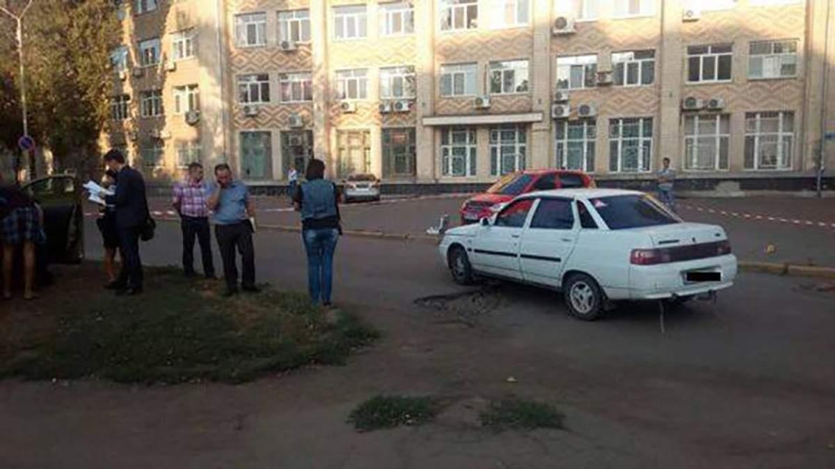 """Шокуюча перестрілка на дорозі сталася у Миколаєві: у місті оголосили план """"Перехоплення"""""""