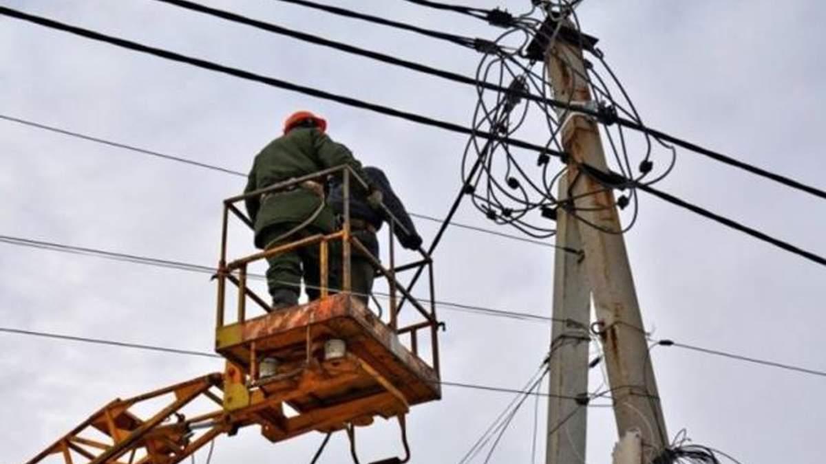 Негода в Україні залишила без світла 70 населених пунктів