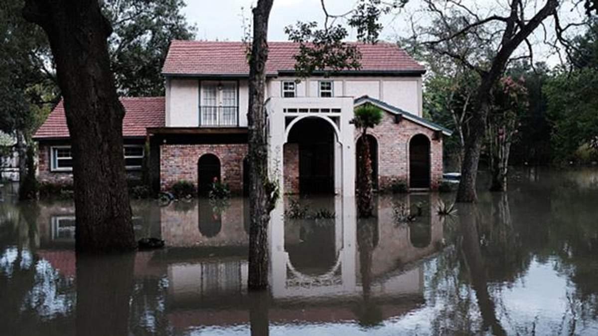 """Зросла кількість жертв урагану """"Харві"""" в США"""
