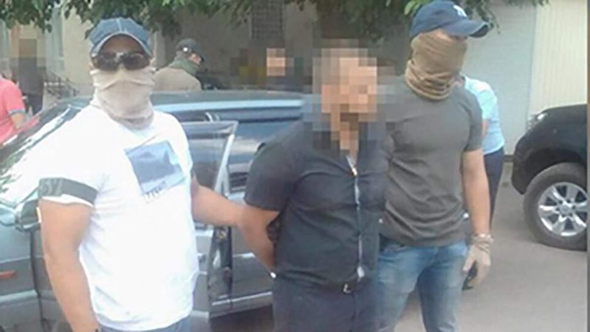 Прокурора-хабарника затримали на Одещині
