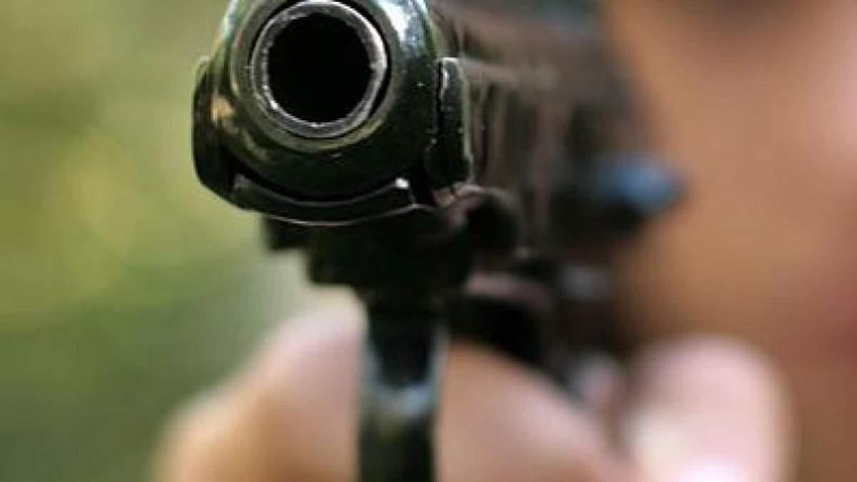 В Росії підліток влаштував стрілянину в школі: діти рятуючись вистрибували з вікон