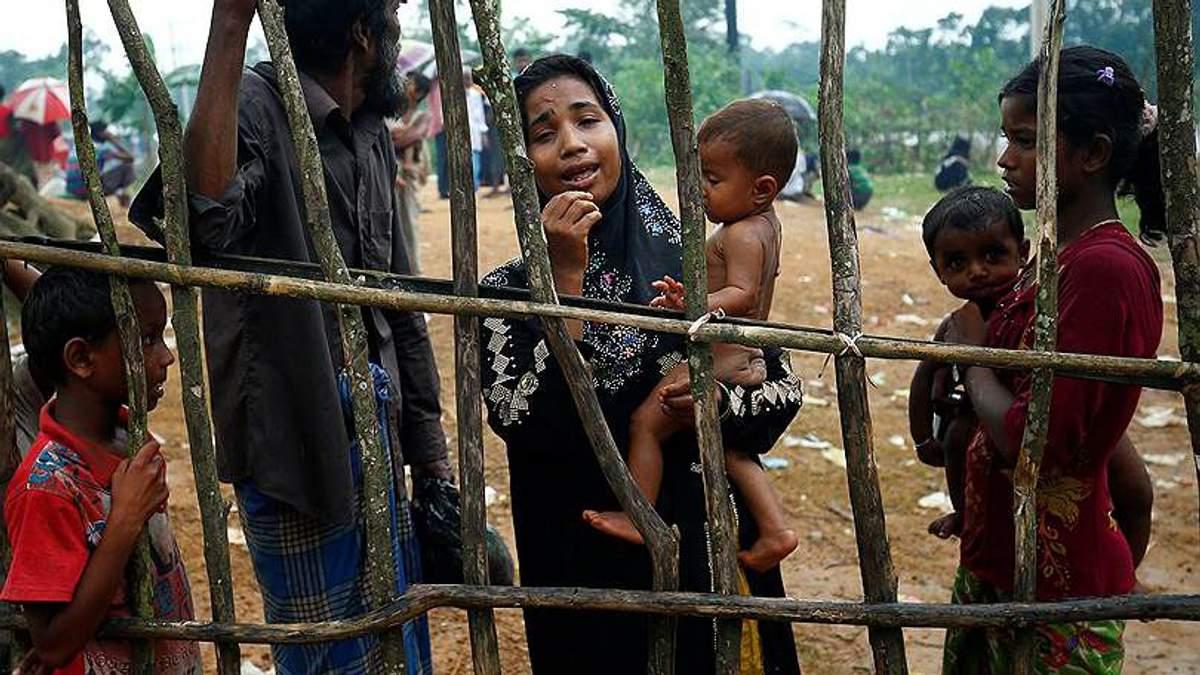 У М'янмі мусульмани масово покидають країну: є жертви