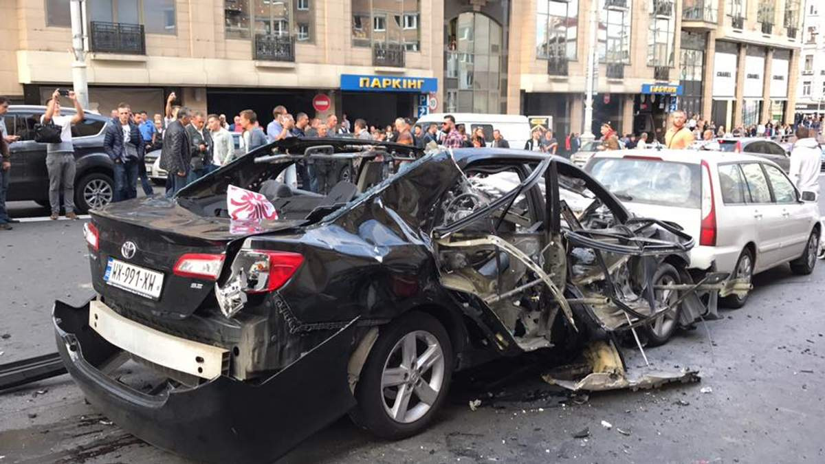 В центре Киева взорвался автомобиль: есть пострадавшие