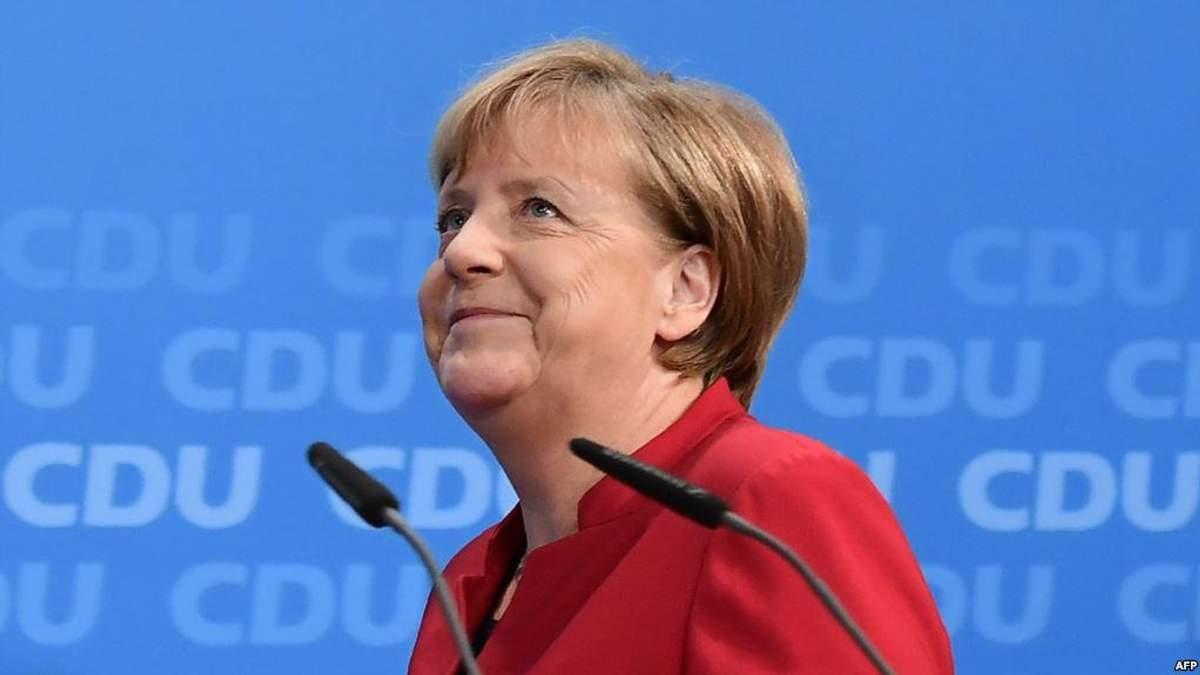 Мирные условия на Востоке Украины станут залогом снятия санкций с России, – Меркель